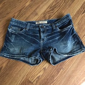 BKE Sabrina shorts size 30